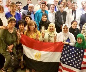 بالأعلام والأغاني الوطنية.. الجالية المصرية في أمريكا تستعد لاستقبال الرئيس السيسي