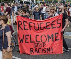 طلبات اللجوء صداع فى رأس الحكومة الألمانية.. مسئول: غالبيتهم جاءوا بوثائق مزورة