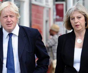 رئيسة وزراء بريطانيا أمام النيران.. هل يسحق «جونسون» أحلام «ماي» في اتفاقية بريكست؟