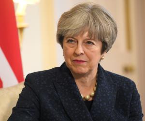 حكم رئيسة وزراء بريطانيا على «كف عفريت».. سحب الثقة أم استفتاء جديد على بريكست؟