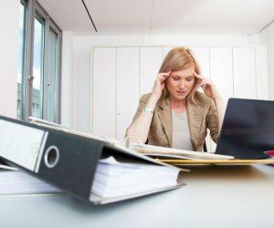 فوق لنفسك شوية.. العمل لوقت أطول يؤثر على القلب وهذه طرق الوقاية