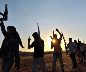 عقب القبض على المطلوب رقم واحد في مصر.. تعرف على شروط تسليم الإرهابيين والمجرمين