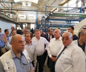 """""""هم 3 سنين وبس"""".. وزير قطاع الأعمال يتفقد مصانع غزل المحلة ويأمر بالتطوير"""