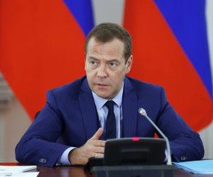 شريك رئيسي لموسكو بالشرق الأوسط.. ماذا قال «ميدفيديف» عن مصر خلال لقائه بالرئيس؟