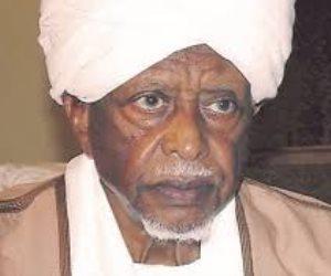 بعد وفاته عن عمر يناهز 83 عاما.. من هو «سوار الذهب» وما علاقته بالإخوان؟