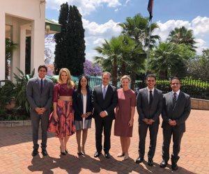 شباب جنوب إفريقيا يشاركون في منتدى شباب العالم.. وسفير مصر يلتقي بهم (صور)