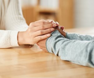 بـ 3 طرق.. علماء النفس يكشفون عن كيفية الرد على سؤال «انت كويس»