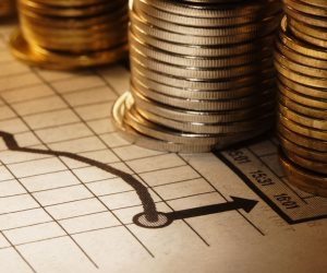 الاقتصاد العالمى× 24 ساعة.. مباحثات أمريكية صينية تؤثر على أسعار العملات والمعادن