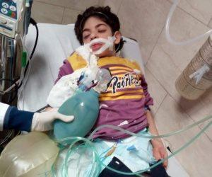 """أنقذوا """"أحمد"""" قبل فوات الأوان.. حكاية طفل يعيش دون رئة في الغربية (صور)"""