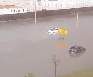 ليلة غير سعيدة في الكويت.. السيول تغمر الشوارع وانقطاع تام للكهرباء ووزير الأشغال يستقيل