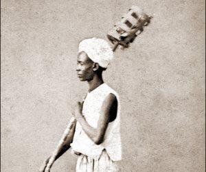 «المشعلجي».. حكاية مهنة بدأها الفراعنة لتنير شوارع العالم (صور)
