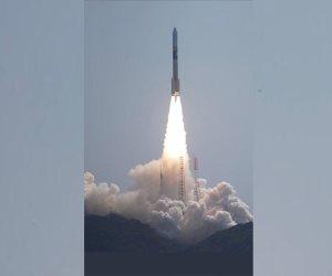 «خليفة سات».. 6 صور تحكي قصة إطلاق أول قمر صناعى إماراتي (صور)
