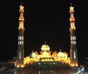في الغردقة.. «مسجد الميناء الكبير» تحفة معمارية تسر الناظرين والعابدين