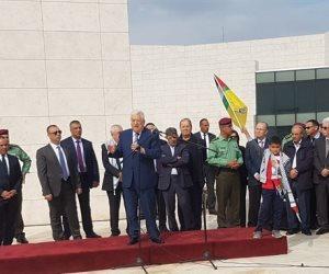 أبو مازن من أمام ضريح عرفات: حركة حماس تقود مؤامرة لتعطيل إقامة دولة فلسطينية