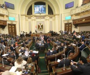 """""""القاهرة قبلة المستثمرين"""".. البرلمان يحتفي بعودة مرسيدس للعمل في مصر"""