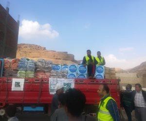 إنشاء 17 خيمة وتوزيع 400 بطانية وألف جنيه لكل فرد.. «التضامن» تواجه سيول أسيوط (صور)