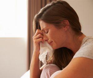 ما سبب وجود «كتلة فى الحلق» وقت البكاء؟.. هناك تفسير علمي