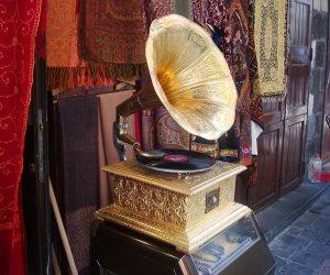 141 عاما من «الكاسيت».. كيف اخترع أديسون أول فونوغراف في التاريخ؟