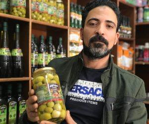 حكاية «سيناوي».. أول مشروع لتجارة الزيتون والمخللات من أرض الفيروز (صور)