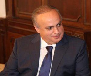 لبنان يحترق في نار السياسة.. هل تنجو بلاد السحر والجمال من شبح فتنة أهلية جديدة؟