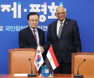 ماذا كان يفعل علي عبدالعال في كوريا الجنوبية؟ (صور)