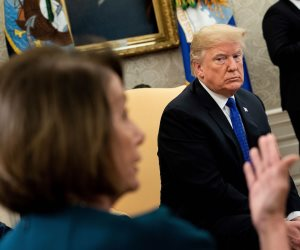 هل هناك خلاف جديد بين ترامب وإيران؟.. طهران تتملق الرئيس الأمريكي بعد زيارته للعراق