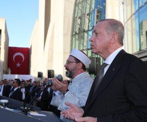 أخرهم الجزائر.. أردوغان يمهد لمشروعه التوسعي بمساجد «الضرار»