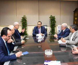 رئيس الوزراء يجتمع مع وزيري التعليم العالي والصحة لحل أزمة نقص الأطباء