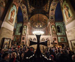 الكنائس تتزين استعداد لـ«الكريسماس».. كيف يحتفل الأقباط بليلة الميلاد؟