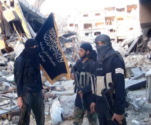 «داعش» ينهار في الباغوز.. العشرات من عناصر التنظيم الإرهابي يرفعون الراية البيضاء