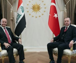 هل داعش والأكراد أوراق تركيا للتقارب مع العراق ودعم قطر؟.. سياسي سعودي يجيب