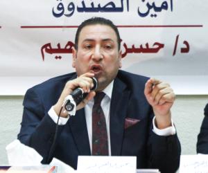وصول محيى عبيد محكمة عابدين لنظر تجديد حبسه بتهمة ضرب صيدلى