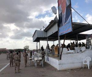 مليشيا الحوثي تواصل جرائمها.. تفاصيل قصف طائرات إيرانية عرضا عسكريا للجيش اليمني