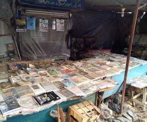 مواقع التواصل لم تغير  نمط حياته.. أقدم بائع جرائد في كفر الشيخ يتحدي الزمن (صور)
