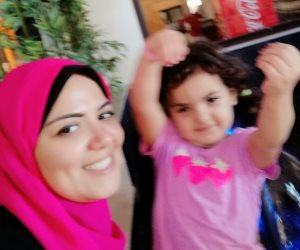 كيف يكون القصاص من قتلة «مليكة»؟.. والدة الطفل القتيلة تعبر عن غضبها عبر «فيس بوك»