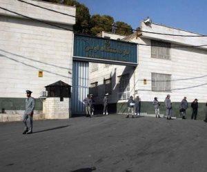 روايات مرعبة.. صحفي أمريكي يروي كواليس الساعات الأولى له بأحد سجون إيران