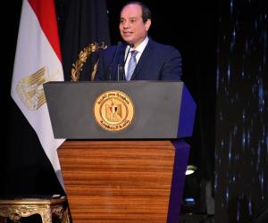 """السيسى: """"لو كانت المظاهرات تبنى مصر أنا هنزل بالمصريين فى الشارع ليل ونهار"""""""