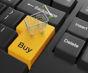 التجارة الإلكترونية.. سوق كبيرة ورقابة غائبة
