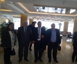 وفد برلماني يصلي بمسجد سيدي أبو حجاح الأقصري الأثري قبل المولد