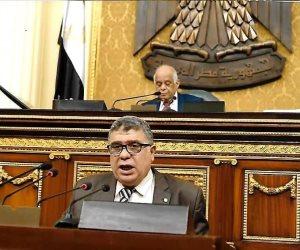 برلماني يطالب بإلغاء تعدد خطوط المحمول والكهرباء من معايير حذف بطاقات التموين