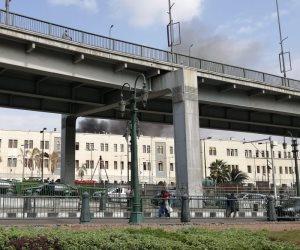 صور.. سيارات الإطفاء تحاول السيطرة على حريق محطة مصر