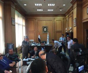 اجتماع مغلق لوفد البرلمان مع رئيس هيئة السكك الحديدية (صور)