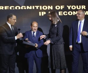 Business Today تكرم السفيرة نبيلة مكرم وزيرة الهجرة بحفل BT100