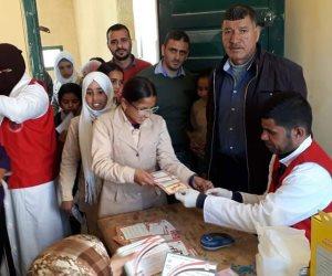 فحص 13387 طالباً بحملة «جيل بكرة يكبر بصحة» بمدارس شمال سيناء (صور)