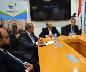 خبراء ودبلوماسيون يبحثون بالقاهرة سبل تنشيط الحركة السياحية بين مصر والمغرب (صور)