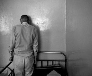 «الاضطراب الضلالي».. كلمة السر في براءة المتهم بقتل والديه (القصة الكاملة)