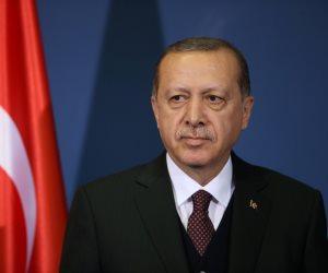 """«زيادة طين أردوغان بلة».. """"موديز"""" العالمية تنسف تصنيف الاقتصاد التركي"""