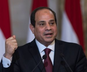 الرئيس السيسي يؤكد عزم الدولة على تطوير مصانع قطاع الغزل والنسيج