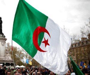 هل بدأت الجزائر في محاصرة إرهاب قطر ؟