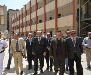 محافظ الجيزة يتفقد لجان الاستفتاء على التعديلات الدستورية (صور)